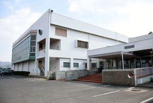 現在の白岩球場がある場所への移転、新築が計画されている白岩体育館=武雄市武雄町