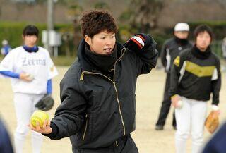 佐賀女子高出身の藤田投手、内藤内野手が五輪代表 同級生ら2人の活躍祈る