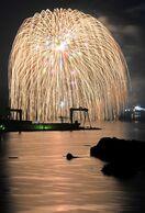 【動画】伊万里湾に希望の大輪 花火1500発、3尺玉も …