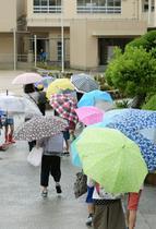 大阪北部地震、避難者1700人