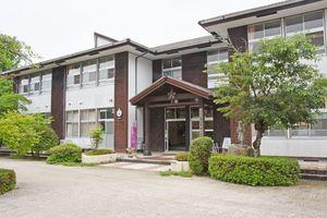 統合が検討されている北山東部小学校=佐賀市富士町