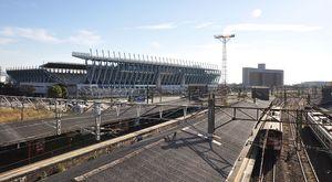 今後の開発に期待がかかるJR鳥栖駅周辺。奥はベストアメニティスタジアム