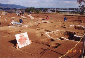 発掘当時の主祭殿柱穴