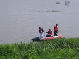 行方不明者の捜索が行われている東名縄文館東側の貯水池=佐賀市