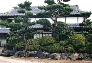 緑があるれる空間・家と庭があって家庭ができる