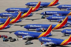 米カリフォルニア州の空港に駐機するボーイング737MAX8=3月26日(ロイター=共同)