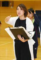 「1番になりたいと望む生徒たちの力になりたい」と話す久野幸子さん=佐賀市の佐賀学園高