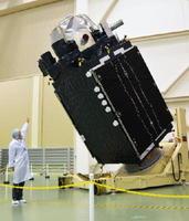 準天頂衛星「みちびき2号機」=4月、茨城県つくば市のJAXA筑波宇宙センター
