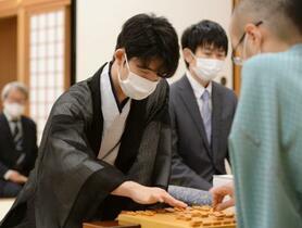 藤井七段、最年少奪取に挑む