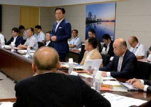 地域おこし協力隊の活用などで意見交換したGM21ミーティング=佐賀県庁