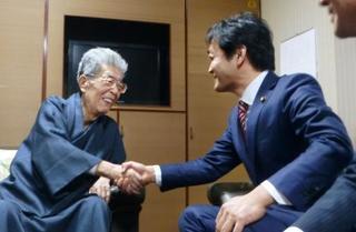 渡部氏、玉木代表を激励