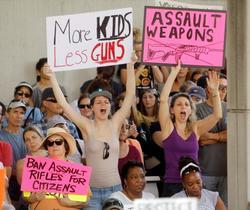米銃乱射事件、生徒が政治家非難