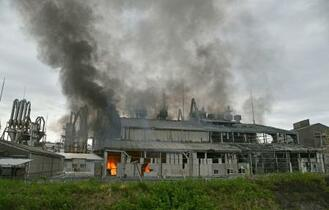福島の工場で爆発、4人けが