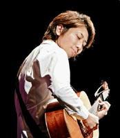 実力派ギタリストの西山隆行さん