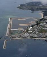 米軍普天間飛行場の移設工事が再開された、沖縄県名護市辺野古の沿岸部=6月12日