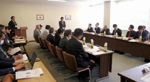 本部会議では、佐賀国体へ向けた強化拠点校などを承認した=佐賀市の県スポーツ会館