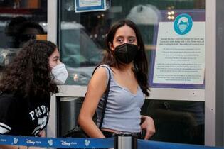米、マスク着用を大半で復活