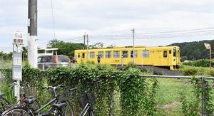 現在のJR桃川駅。駅舎は解体されてプラットホームだけがある=伊万里市松浦町