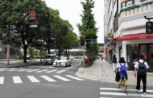 県内の最高路線価で、25年ぶりに上昇したJR佐賀駅前の駅前中央通り=佐賀市駅前中央1丁目