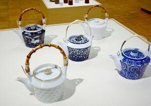定番の水玉をアレンジした土瓶の作品なども展示=有田町の県立九州陶磁文化館