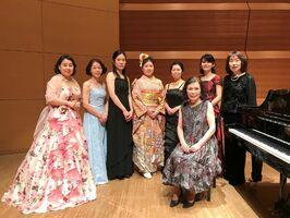 ドイツ歌曲研究会「Flieder」のメンバー(提供写真)