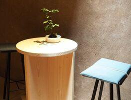 「植栽にも用途を広げ器を使って」と言葉で説明するのではなく、実際に空間に置き見てもらうことを大切にしている