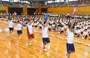 昨年の県高校総体の総合開会式。競技場改修工事のため室内での開催となった=佐賀市のSAGAサンライズパーク総合体育館(2019年05月31日)