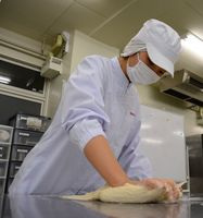 大会に向けて200本のコッペパンを焼き、試行錯誤を重ねたという山下桃佳さん