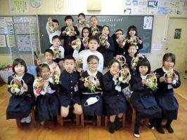 放課後子供教室に参加して工作をした子どもたち