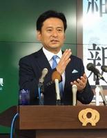 佐賀空港へのオスプレイ配備計画などへの考え方について話す山口祥義知事=県庁