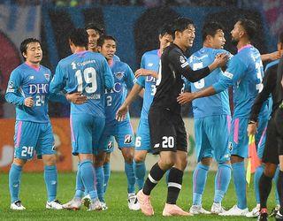 サガン暫定15位、金監督初陣飾る 仙台に3-2