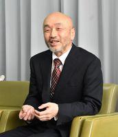 伊万里市長選への立候補を表明する井関新氏=伊万里市役所