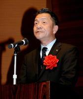 市長最後の仕事として祝辞を述べた坂井俊之唐津市長=唐津市高齢者ふれあい会館「りふれ」
