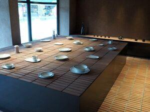 改装したショールーム。使っている場面を想像しながら選べる「生活提案型」が特徴=有田町のアリタセラ