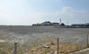 県道22号沿いの漬物工場の進出予定地=三養基郡みやき町白壁
