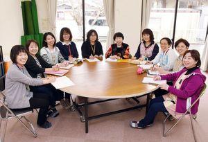文部科学大臣表彰を受けた武雄市子育て総合支援センターのメンバー