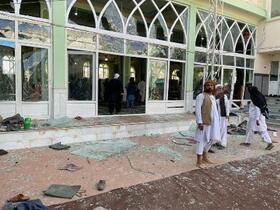 アフガンで爆発32人死亡