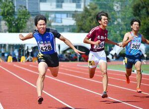 陸上男子200メートル決勝 優勝した武雄の川崎秀智(428)=佐賀市のSAGAサンライズパークセカスタ