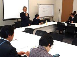 開門派弁護団が開門実現に向けて国会議員らと意見を交わした=東京・永田町の衆院第1議員会館