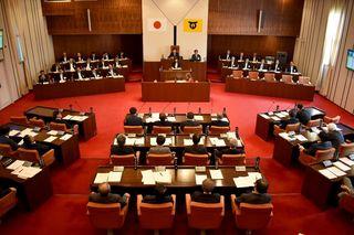伊万里市議会、オスプレイ容認反対意見書否決