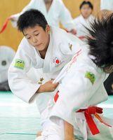 6年の部で優勝した古川幸樹(大和少年ク)=吉野ヶ里町の三田川武道館