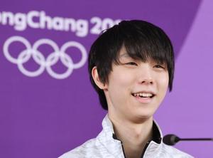 公式練習を終え、記者会見するフィギュアスケート男子の羽生結弦選手=13日、江陵(共同)