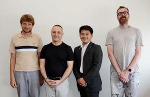 松尾町長(右から2人目)を表敬訪問したヴァン・ベークさん(右)、(左から)メイヤー・ファジェさん、ギカスさん=有田町役場