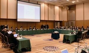 予防切除への公的医療保険適用が提案された中央社会保険医療協議会=13日午前、東京都千代田区