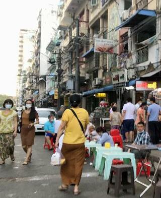 ミャンマー軍政、制限を続々緩和