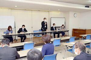 高病原性鳥インフルエンザへの対応を確認した佐賀県の庁内連絡会議=佐賀市の自治会館