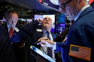 NY株、一時1000ドル安