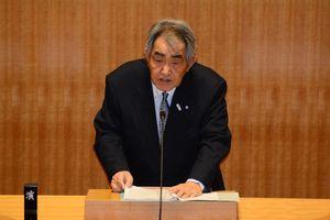 定例議会で8月の任期をもって引退することを表明した岸本英雄町長=東松浦郡玄海町役場