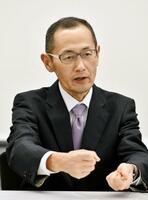 共同通信のインタビューに応じる京都大iPS細胞研究所長の山中伸弥教授