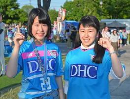 唐津市の楓夏さん(左)と武雄市の夢華さん